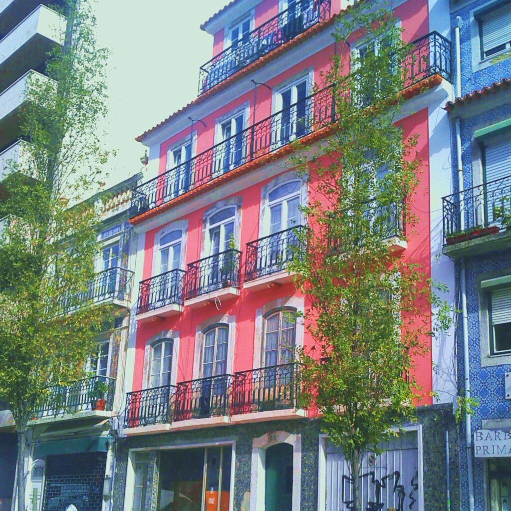 Edifício em Lisboa (Campo Mártires da Pátria)